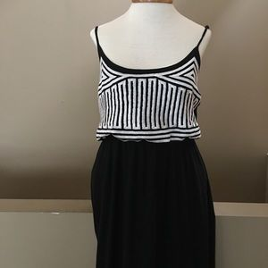 NWT Black and White Cotton embroidered Maxidress L